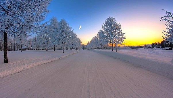 Moon over Snow, Sweden