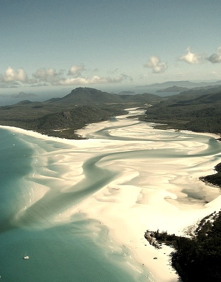 Whitehaven Beach in Whitsunday Islands, Queensland, Australia